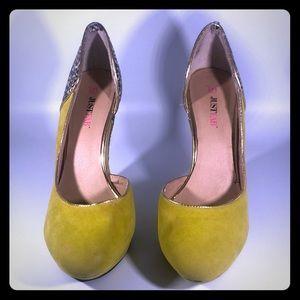 JustFab wedge heel green banana sz 8